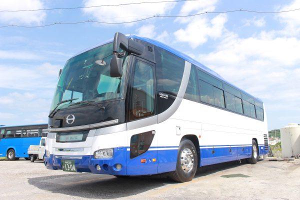 沖縄・貸切バス(ゆいバス)大型バス
