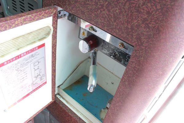 沖縄・貸切バス(ゆいバス)大型バス・給湯器
